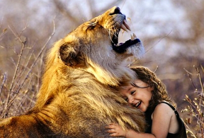PS GIRL & LION LAUGHING